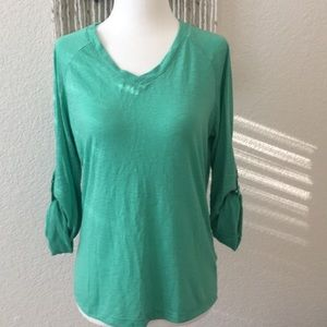 NWOT!! Ellen Tracy teal V-neck top